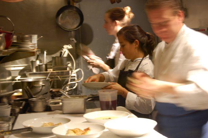 El trabajo en equipo lleva a un restaurante al éxito